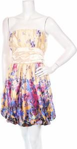 Sukienka Miss Famous bez rękawów mini