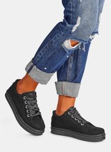 Czarne trampki DeeZee sznurowane w sportowym stylu z płaską podeszwą