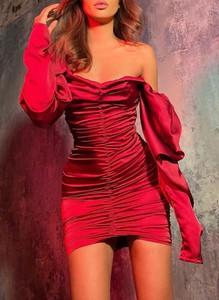 Czerwona sukienka Sandbella z długim rękawem mini bodycon