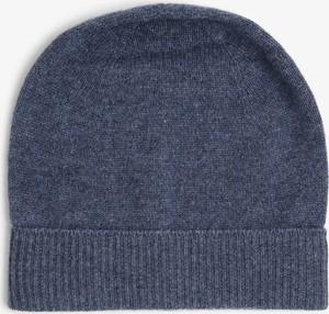 Niebieska czapka Apriori