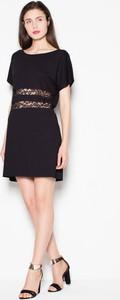Sukienka Venaton mini z krótkim rękawem