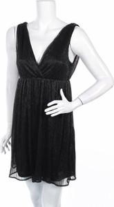 Czarna sukienka Pimkie z dekoltem w kształcie litery v