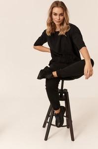Czarna bluzka Badura z okrągłym dekoltem w stylu casual z bawełny
