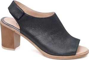 Czarne sandały Lanqier z klamrami z zamszu