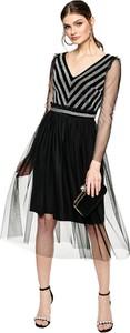 Czarna sukienka L'AF z dekoltem w kształcie litery v z tiulu