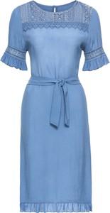 Niebieska sukienka bonprix rainbow na spacer midi