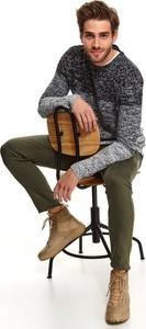 Sweter Top Secret w młodzieżowym stylu z dzianiny z okrągłym dekoltem