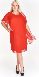 Różowa sukienka Fokus midi z krótkim rękawem w stylu klasycznym