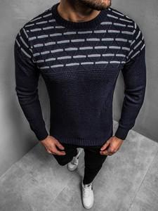Granatowy sweter ozonee.pl z wełny