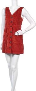 Sukienka Jack Wills z dekoltem w kształcie litery v