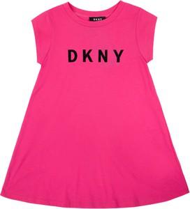 Różowa sukienka DKNY z okrągłym dekoltem z krótkim rękawem
