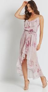 Różowa sukienka Ivon z szyfonu asymetryczna