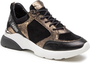 Czarne buty sportowe Carinii sznurowane na platformie