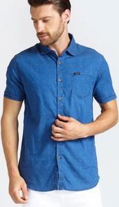 Niebieska koszula Guess w stylu casual z jeansu