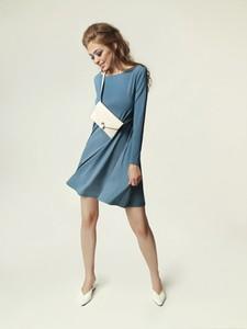 Niebieska sukienka Madnezz z dekoltem w łódkę