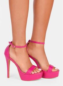 Różowe sandały DeeZee na platformie z klamrami