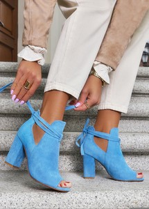 Niebieskie botki Casu