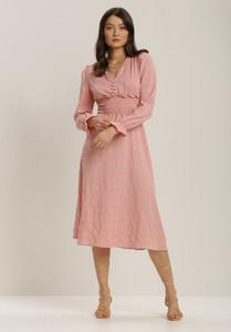 Różowa sukienka Renee midi