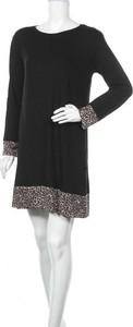Sukienka Milan Kiss z długim rękawem mini z okrągłym dekoltem