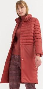 Czerwony płaszcz BGN