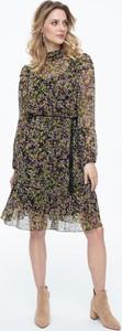 Sukienka Lavard z tkaniny z okrągłym dekoltem