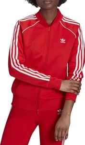 Czerwona bluza Adidas w sportowym stylu z bawełny