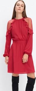 Czerwona sukienka Mohito mini z długim rękawem