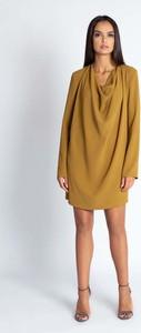Sukienka Dursi oversize w stylu casual z długim rękawem