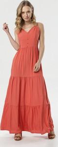Różowa sukienka born2be z dekoltem w kształcie litery v maxi