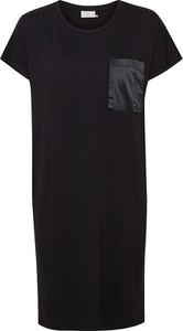 Czarna sukienka Kaffe z okrągłym dekoltem