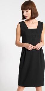 Czarna sukienka QUIOSQUE bez rękawów mini