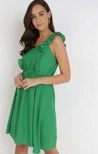 Zielona sukienka born2be bez rękawów