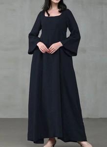 Czarna sukienka Arilook z bawełny maxi z długim rękawem