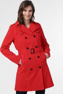 Czerwony płaszcz Marie Lund