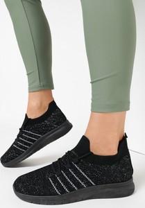 Czarne buty sportowe born2be sznurowane w sportowym stylu