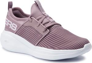 Buty sportowe Skechers ze skóry ekologicznej z płaską podeszwą