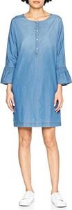 Błękitna sukienka cinque