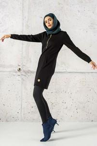 Czarna sukienka Nessi Sportswear