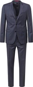 Niebieski garnitur Hugo Boss z wełny