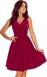 Czerwona sukienka Moda Dla Ciebie rozkloszowana z dekoltem w kształcie litery v