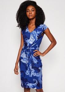 Sukienka Desigual z krótkim rękawem dopasowana z dekoltem w kształcie litery v