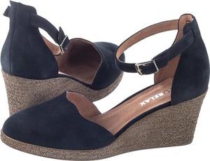 Granatowe sandały Ryłko z klamrami