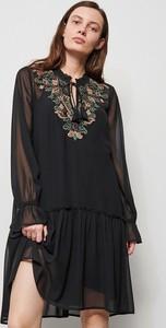 Czarna sukienka Reserved mini z długim rękawem w stylu casual