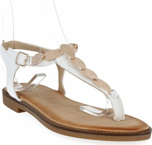 Sandały Givana z klamrami ze skóry