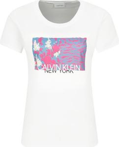 T-shirt Calvin Klein w młodzieżowym stylu z krótkim rękawem