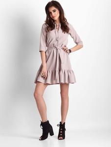 Sukienka Ivon mini trapezowa z długim rękawem