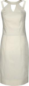 Sukienka Fokus dopasowana z okrągłym dekoltem w stylu klasycznym