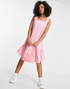 Różowa sukienka Qed London midi z bawełny