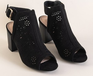 Czarne sandały Royalfashion.pl z zamszu na średnim obcasie