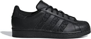 Czarne trampki Adidas superstar ze skóry z płaską podeszwą